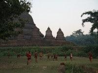 Mrauk U – zabytki, kozy i spokój z dala od głównych szlaków Birmy