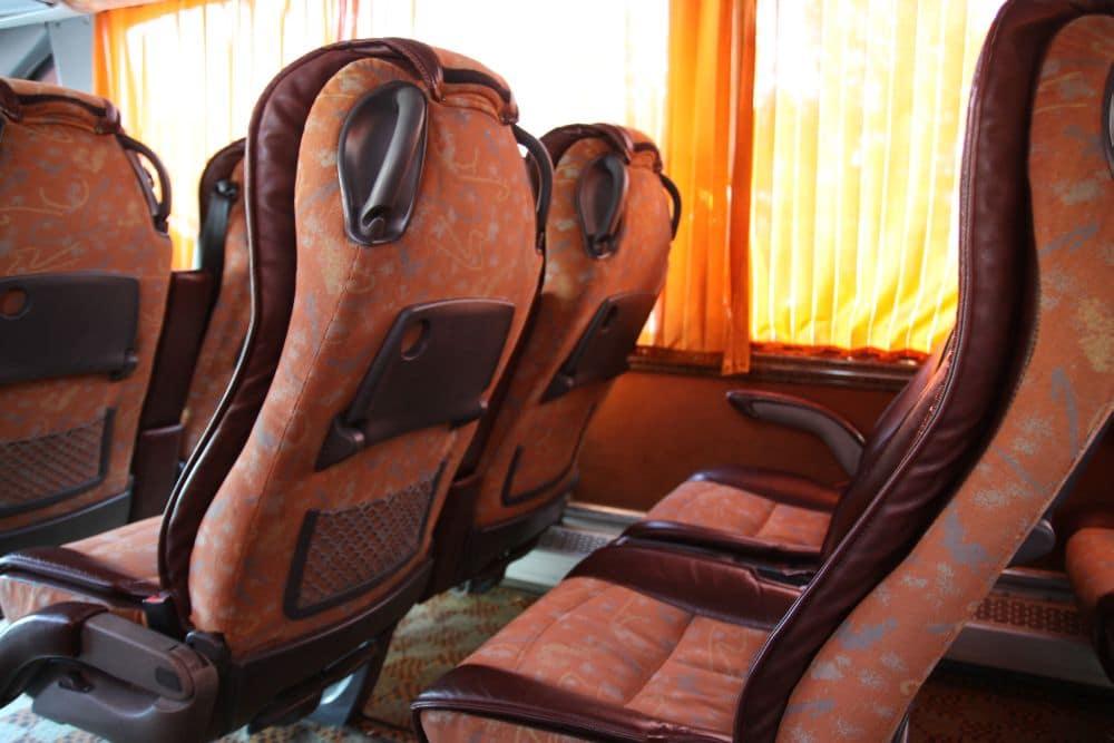 Szerokie siedzenia w irańskich autobusach VIP