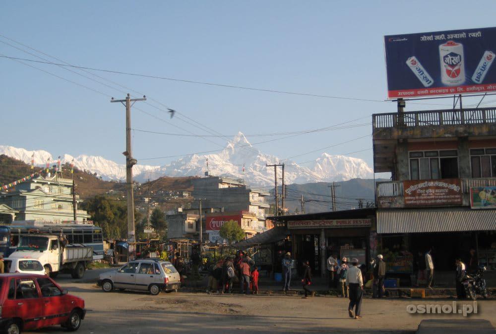 Pokhara widok na Himalaje z dworca autobusowego