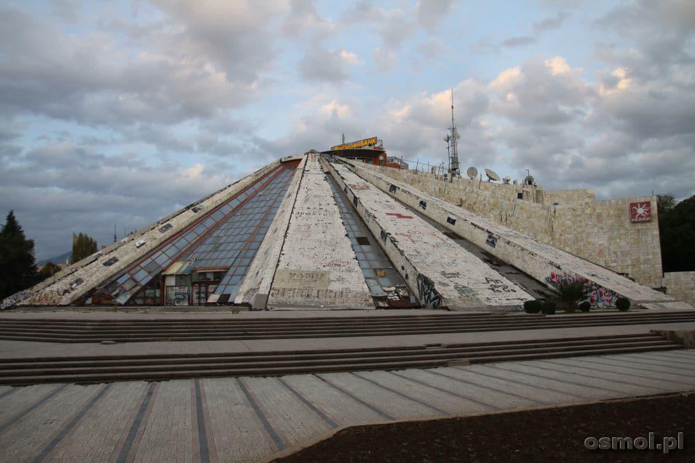 Tirana Międzynarodowe Centrum Kultury Piramida