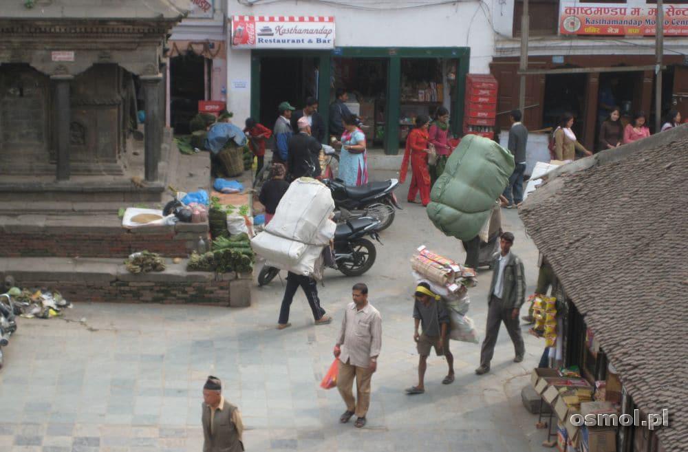 Tragarz w Nepalu