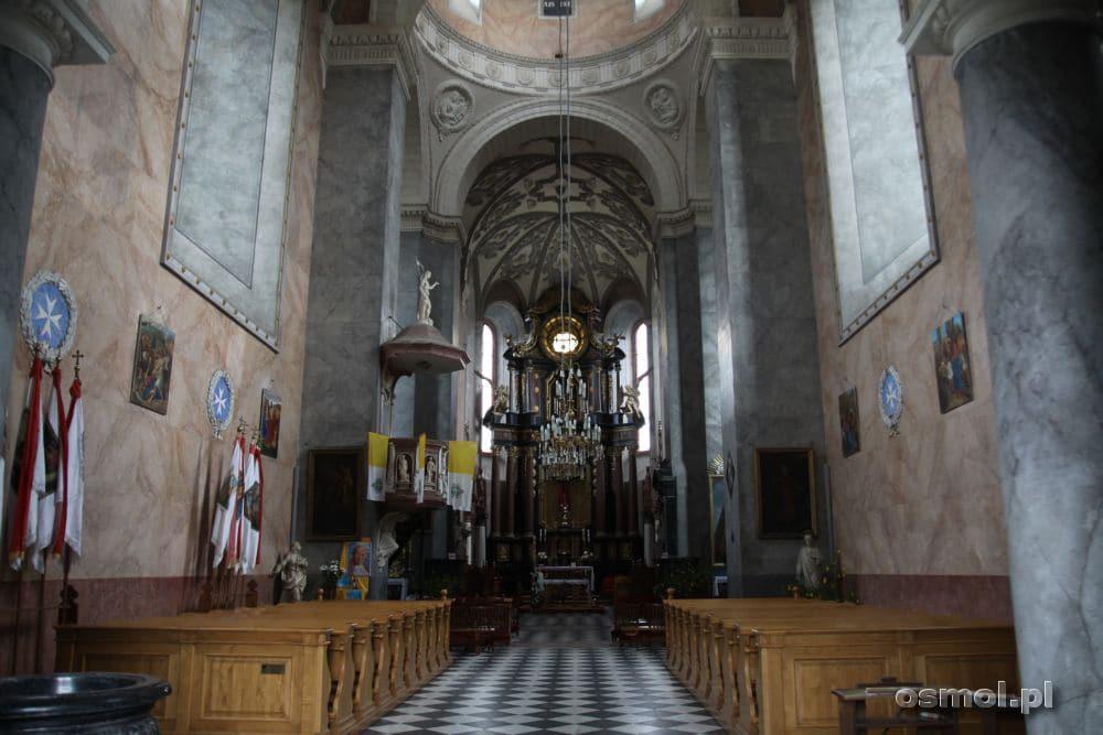 Żółkiew wnętrze kolegiaty św Wawrzyńca