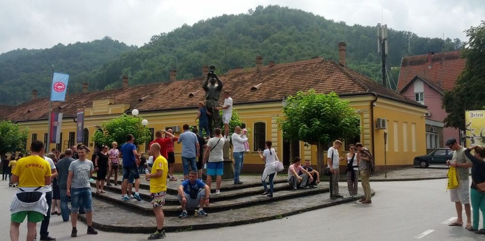 Guca - Festiwal trąbki pomnik trębacza