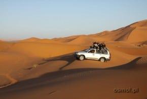 Wycieczka wielbłądem na pustynię. Nocleg pod gwiazdami